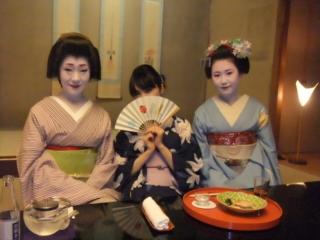 祇園で舞妓さんと